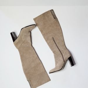 Lord & Taylor 424 Mikayla Suede Boots Size 9